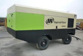 Emplacement Compresseur d'air mobile 12/235 INGERSOLL RAND conçu pour les applications de construction, d'extraction de carrière et de l'industrie en général