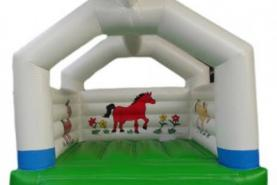Emplacement Château gonflable - Campagne en location pour vos événements, foires, salons, réceptions...