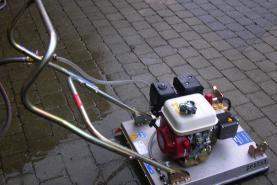 Emplacement Machine de nettoyage pour les surfaces en pierres - Terrasses - AVEC OPERATEUR