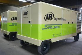 Emplacement Compresseur d'air mobile 25/330 INGERSOLL RAND conçu pour les applications de construction, d'extraction de carrière et de l'industrie en général
