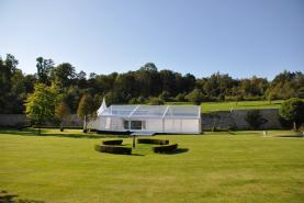 Emplacement Tente blanche ou transparente - Chapiteau - Structure - Lieu de réception - Tonnelle