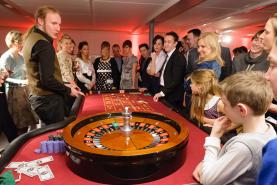 Emplacement Table de casino avec croupier  - American roulette