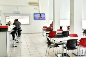 Emplacement Ecran multimédia pour CAFETARIA, bistrot, buvette, BRASSERIE - Borne d'affichage