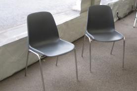 Emplacement Chaises coquilles en plastiques - fauteuils