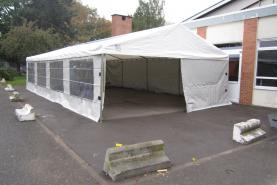Emplacement Chapiteaux - tonnelles - tentes
