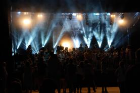 Emplacement Sonorisation et Eclairage, Concer,t Festival, Spectacle, Son et Lumière, Sonorisation de match de foot, sonorisation Feux d'artifice, Eclairage architectural, Maping