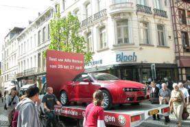 Emplacement Véhicule promotion publicitaire - porteur de produits publicitaires en 3D (Voitures,mobilier, statues,...)