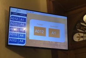 Emplacement Système de gestion de file d'attente avec borne tactile et imprimante de tickets