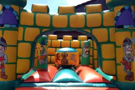 Emplacement Château fort gonflable - Animation - Attraction - Jeux pour enfants (Verviers)