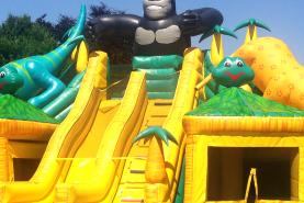 Emplacement Château gonflable gorille - Animation d'extérieur - Jeux pour enfants (Verviers)