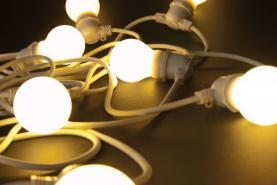 Emplacement Guirlandes ampoules - décorations lumineuses - lumières pour vos événements, foires, salons...