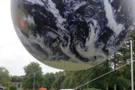 Emplacement Ballons PVC Lune ou Terre Ø 3 mètres - Affichages pour vos événements professionnels et privés