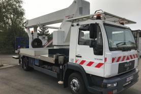 Emplacement Nacelle élévatrice de 27 mètres sur camionnette/fourgon pour travaux en hauteur