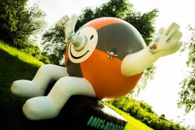 Emplacement Inflatable Dan - inflatable figure