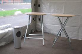 Emplacement Tables mange-debouts - tables hautes pour réceptions, événements privés et professionels