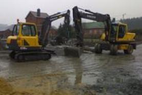 Emplacement Pelles de chantier - Mini-pelles - Grues pour aménagements extérieurs avec opérateur - pour travaux de terrassement
