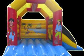 Emplacement Château gonflable couvert avec toboggan Pirates