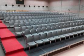 Emplacement Tribunes - Gradins intérieur - Sièges pour conférences, spectacles, compétitions sportives...