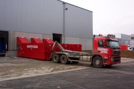 Emplacement Centre de tri/recyclage pour container et autres déchets - ouvert pour sociétés et particuliers - éternites Asbeste (A) accepté - container