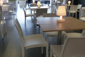 Emplacement Mobilier en location pour événements - salons - foires : tables