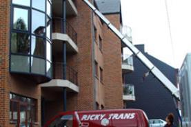 Emplacement Lift pour déménagement - monte charge - élévateur - nacelle avec opérateur