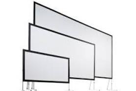 Emplacement Ecran de projection 244 x 183 pour diffusion par projecteur