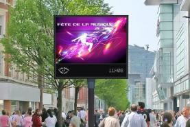 Emplacement Ecran LED géant de signalisation en couleur - Panneaux d'affichage urbain pour villes et communes - Informations ou publicités - Aménagements des lieux publics