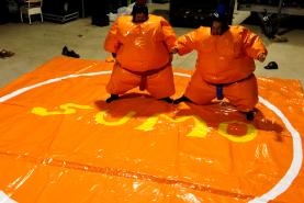 Emplacement Plateforme de combat sumo gonflable - Costmes de sumo - Tatami - Déguisement - Animation (Verviers)