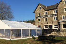 Emplacement Tente 10x10m – 100m² - Chapiteau - Pagode - Tonelle