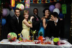 Emplacement Location de sonorisation et d'éclairage pour vos fêtes de famille, anniversaires, mariages, banquets ou réceptions - Micros, enceintes, projecteurs, tables de mixage,... Différents kits disponibles