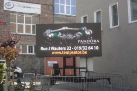 Emplacement Ecran géant LED 8M² p8 (sur remorque) - Affichage indoor & outdoor