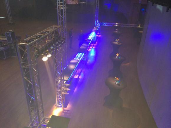 Location Structures alu pour bars et espaces VIP