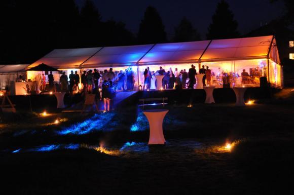 Location Tente blanche ou transparente - Chapiteau - Structure - Lieu de réception - Tonnelle