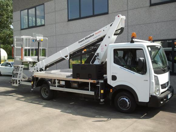 Location Location long-terme - Leasing de camion nacelle pour travail en hauteur