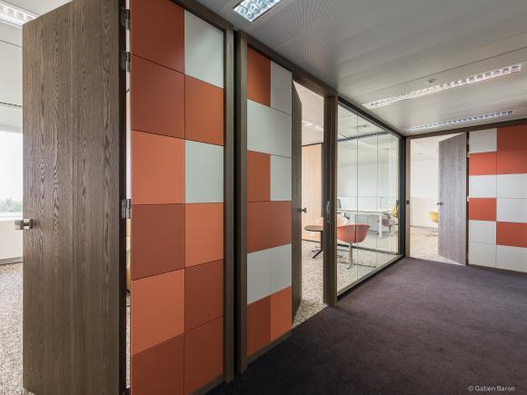 location bureaux espaces de travail salles de r union. Black Bedroom Furniture Sets. Home Design Ideas