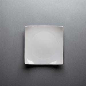 Location Assiette carrée 17cm – Service 2 - Vaisselle - Matériel traiteur