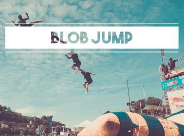 Location Blob Jump - Coussin géant gonflable - Catapulte - Jeux nautiques sur la Meuse à Namur
