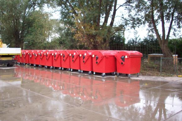 location poubelle din container ordures de 240. Black Bedroom Furniture Sets. Home Design Ideas