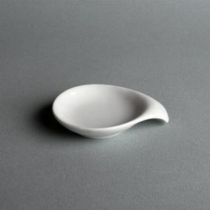 Location Coupelle plate en porcelaine avec anse - Vaisselle - Matériel traiteur