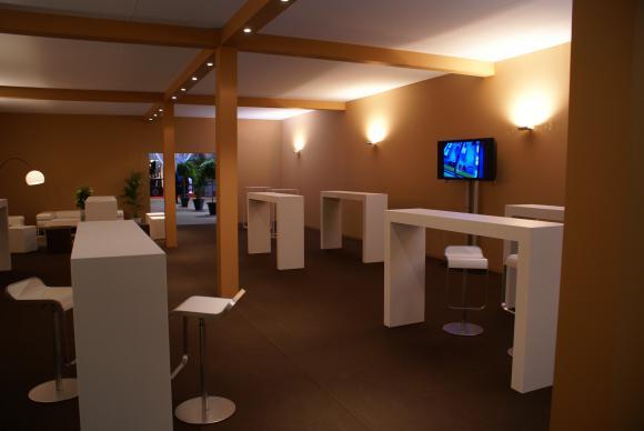 Location construction de salons foires expositions et de for Construction de stand