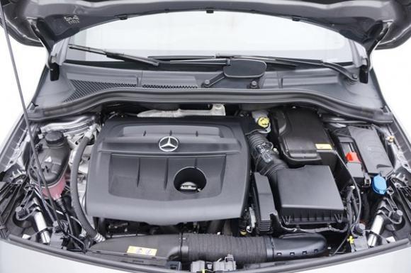 Location Voiture / véhicule ou moyen de transport en leasing ou renting (PLUS D'UN AN) - MERCEDES-BENZ B-Klasse B180 Cdi Facelift Inspiration + GPS