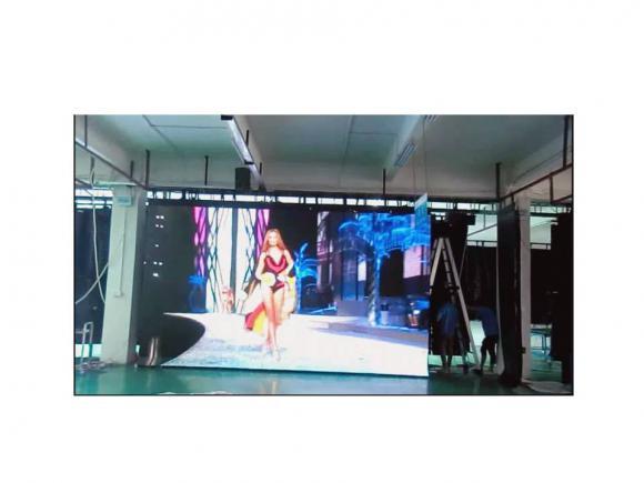 Location Ecran géant led flexible 10m² - 12m² - 15m² - 17m² - 20m² pour votre décor de scène