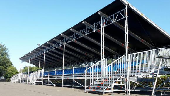 Location Tribunes - Gradins extérieurs - Sièges pour spectacles, compétitions sportives...