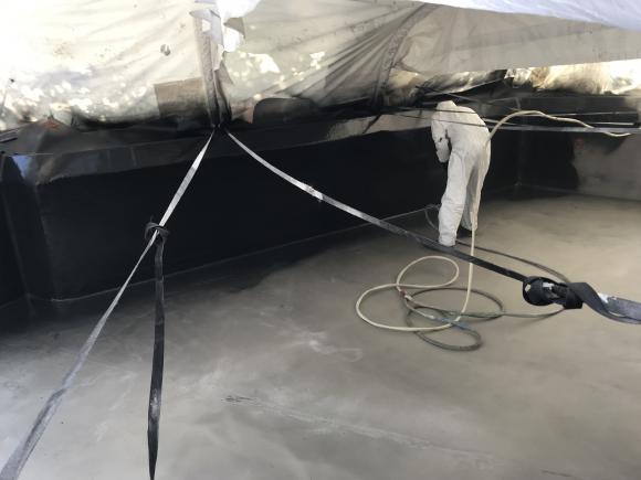 Location Machine Airless pour Gelcoat polyester ou epoxy, piscine, étang, bateau et industrie