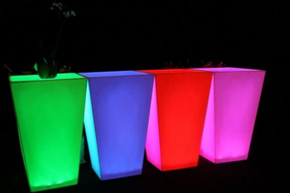 Location Table mange debout Conic - Mange-debout coloré - Led - Mobilier lumineux