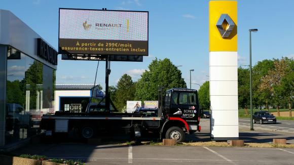 Location Ecran géant LED 8M² p8 (sur remorque) - Affichage indoor & outdoor