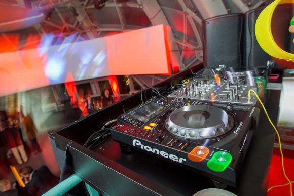Location Equipement DJ - Matériel sonorisation Kit pro ou Kit advanced (mix pioneer, hp electrovoice)