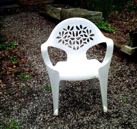 Location mobilier de jardin table et chaises pour for Location mobilier exterieur