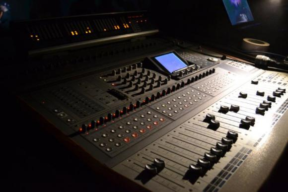 Location Matériel de sonorisation - Musique - Enceintes - Table de mixage