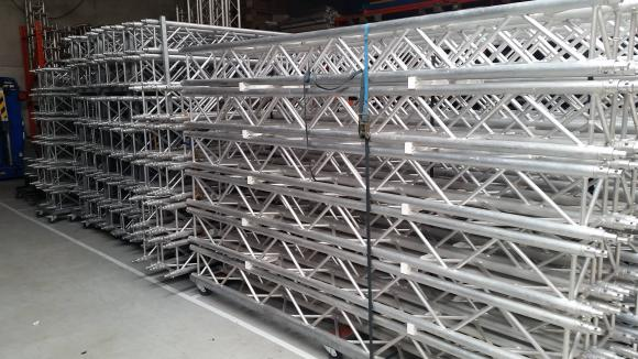 Location Structure carrée compatible GlobalTruss, EuroTruss